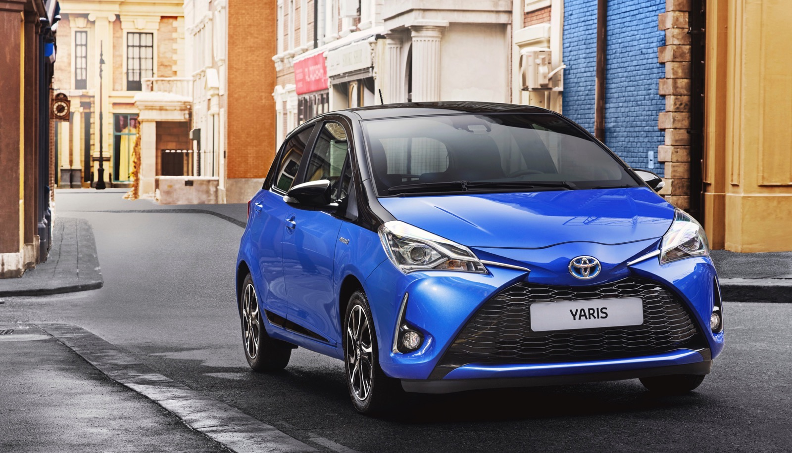 First_Drive_2017_Toyota_Yaris_157