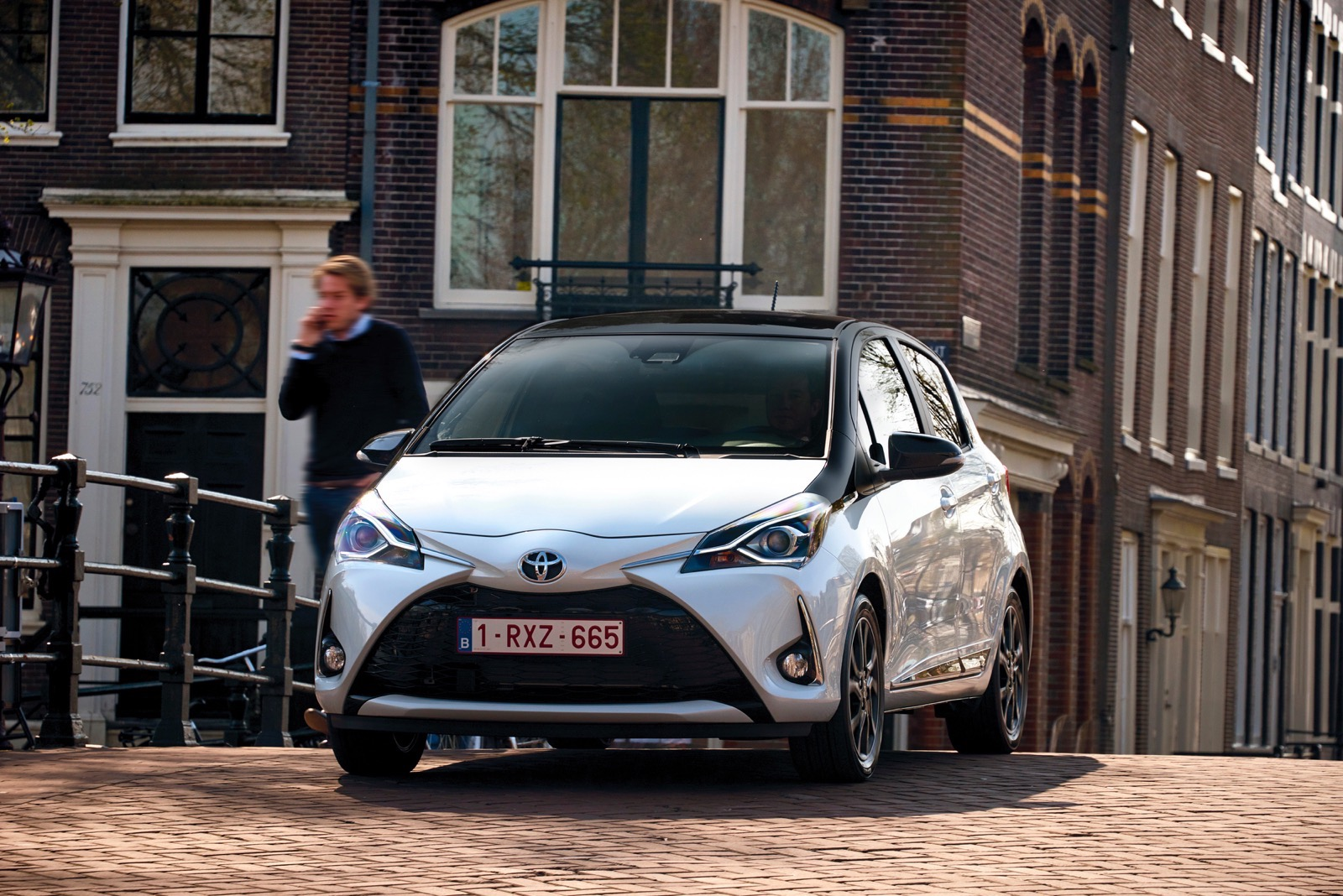 First_Drive_2017_Toyota_Yaris_17