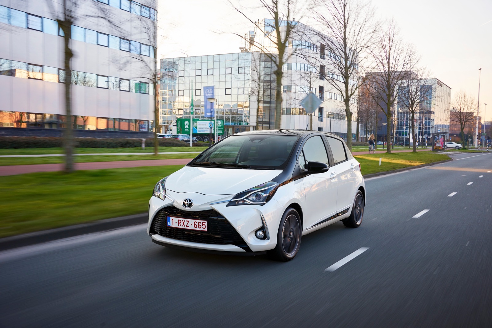 First_Drive_2017_Toyota_Yaris_35