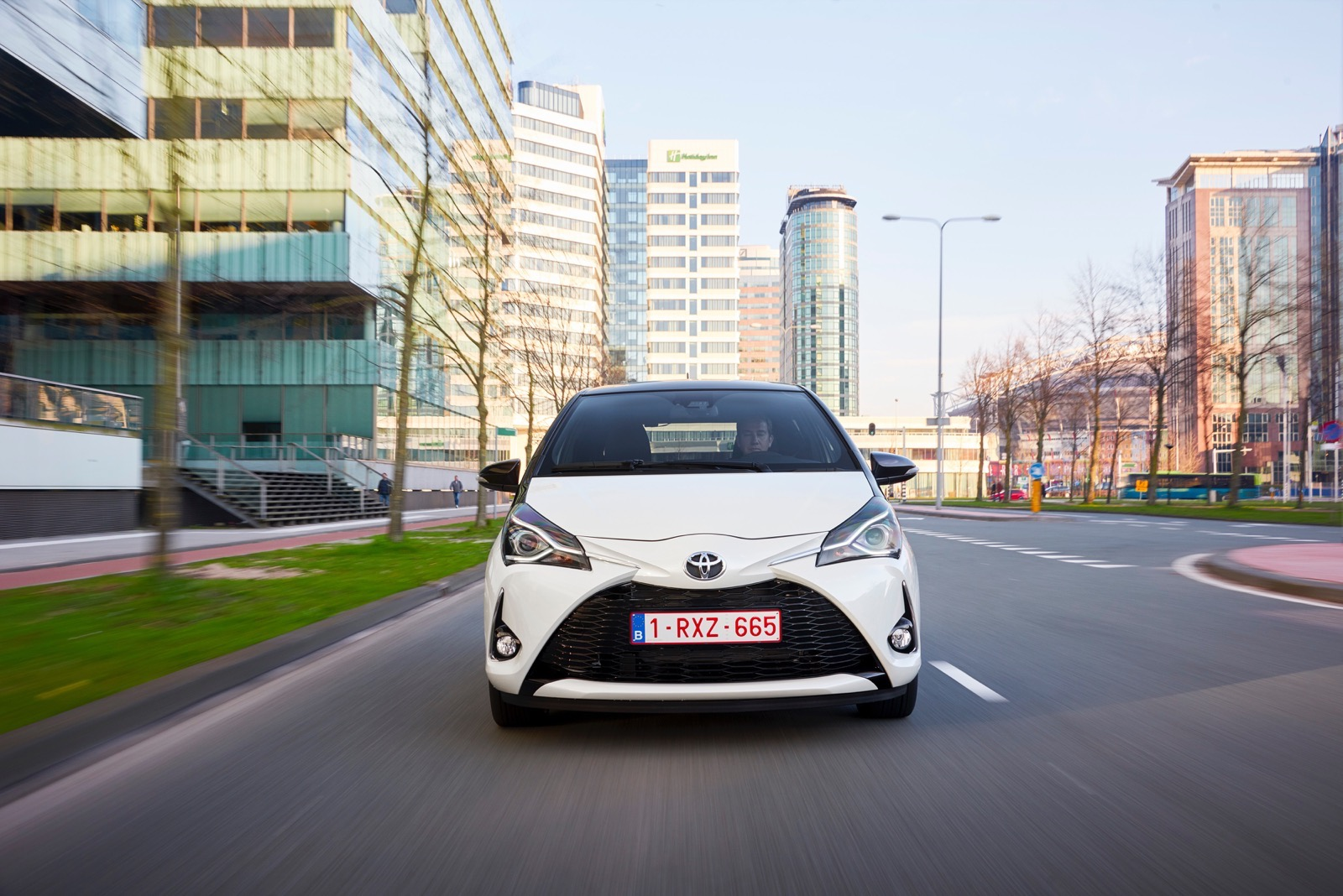 First_Drive_2017_Toyota_Yaris_36