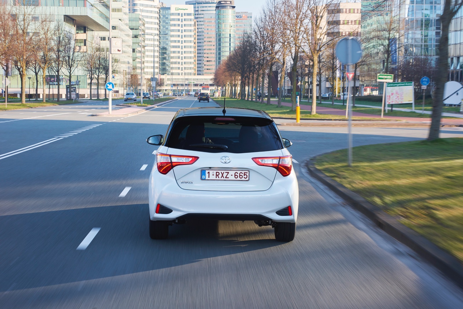 First_Drive_2017_Toyota_Yaris_40