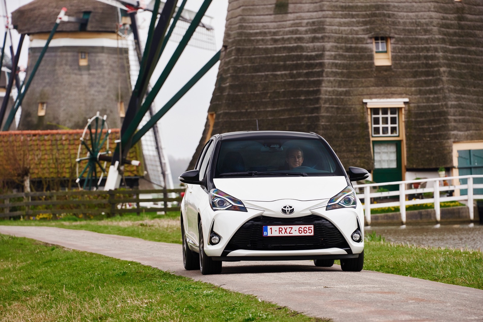 First_Drive_2017_Toyota_Yaris_42