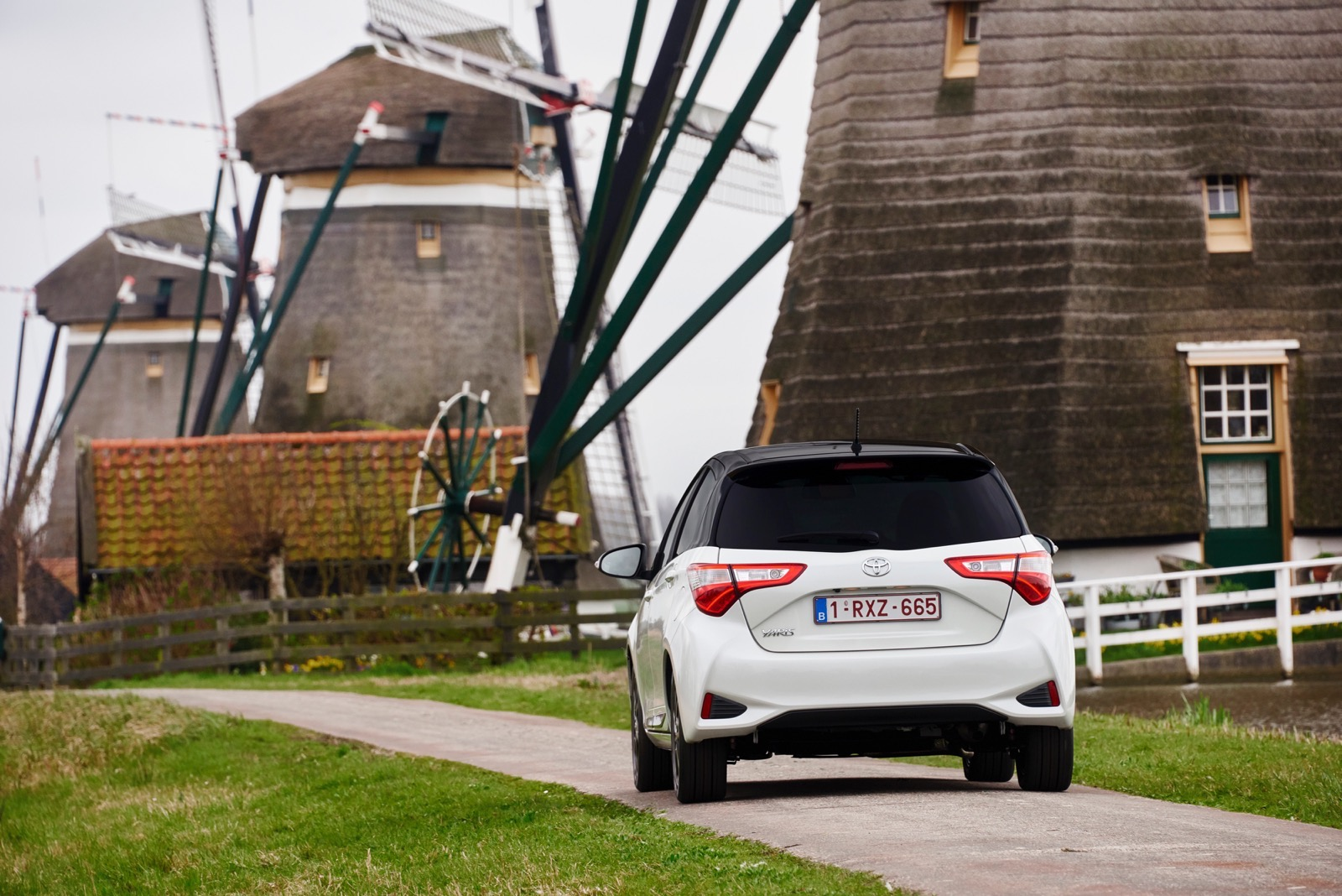 First_Drive_2017_Toyota_Yaris_43