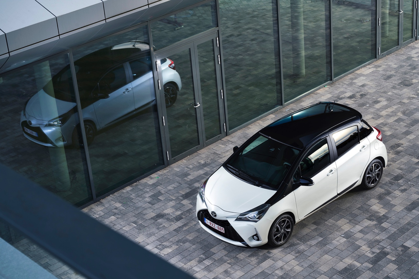 First_Drive_2017_Toyota_Yaris_49