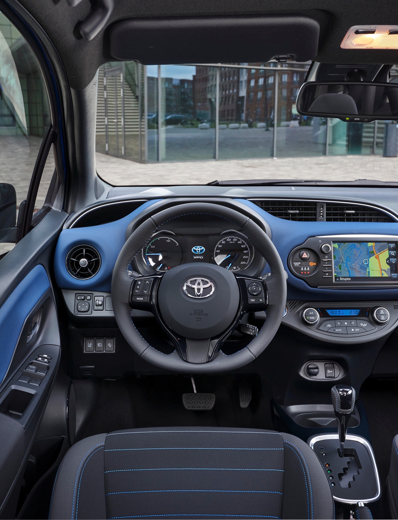 First_Drive_2017_Toyota_Yaris_62