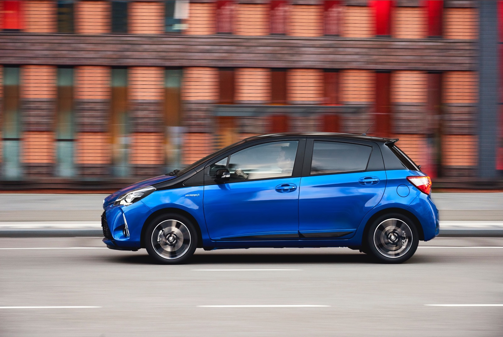 First_Drive_2017_Toyota_Yaris_80