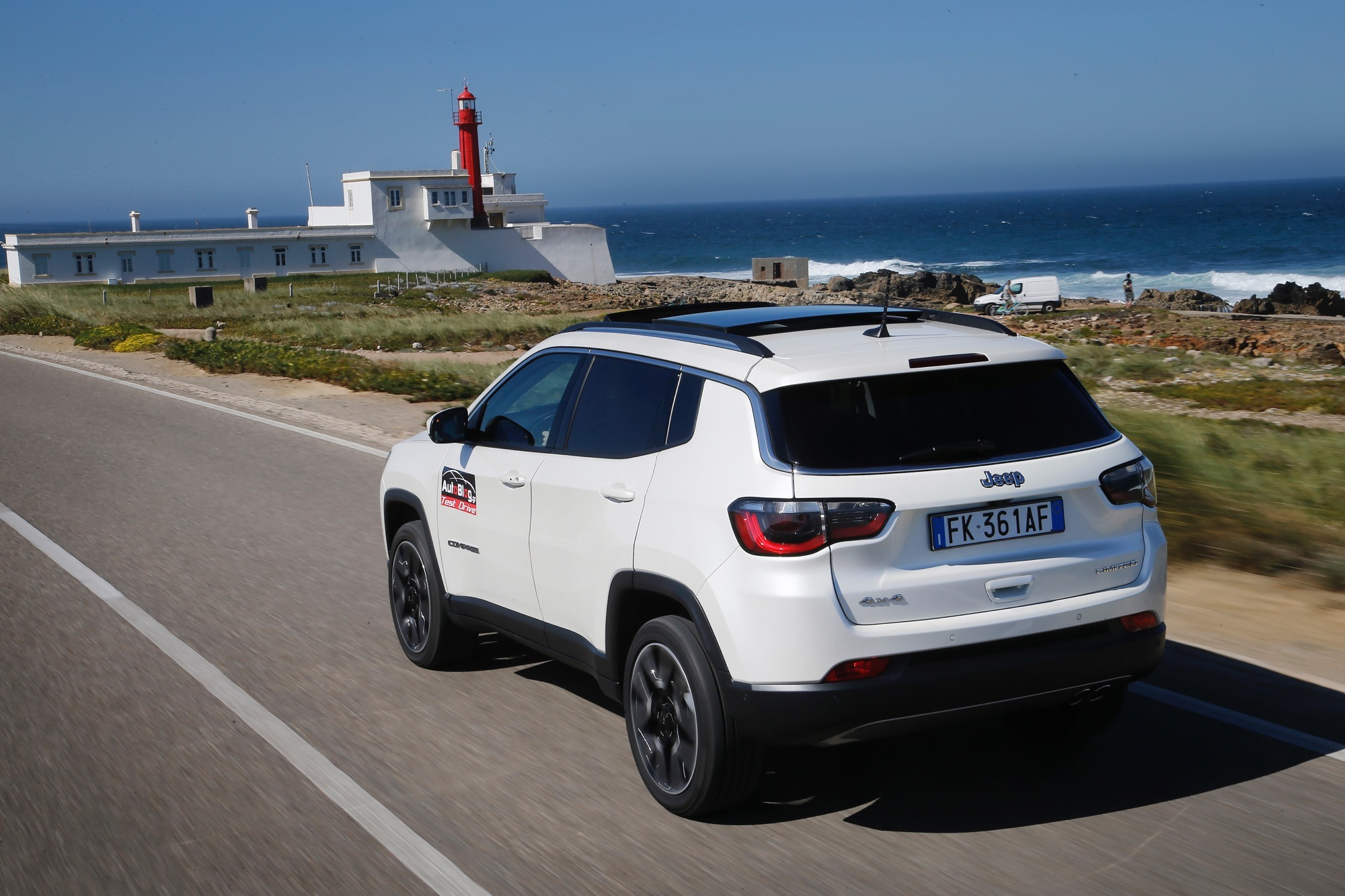 First_Drive_Jeep_Compass__01