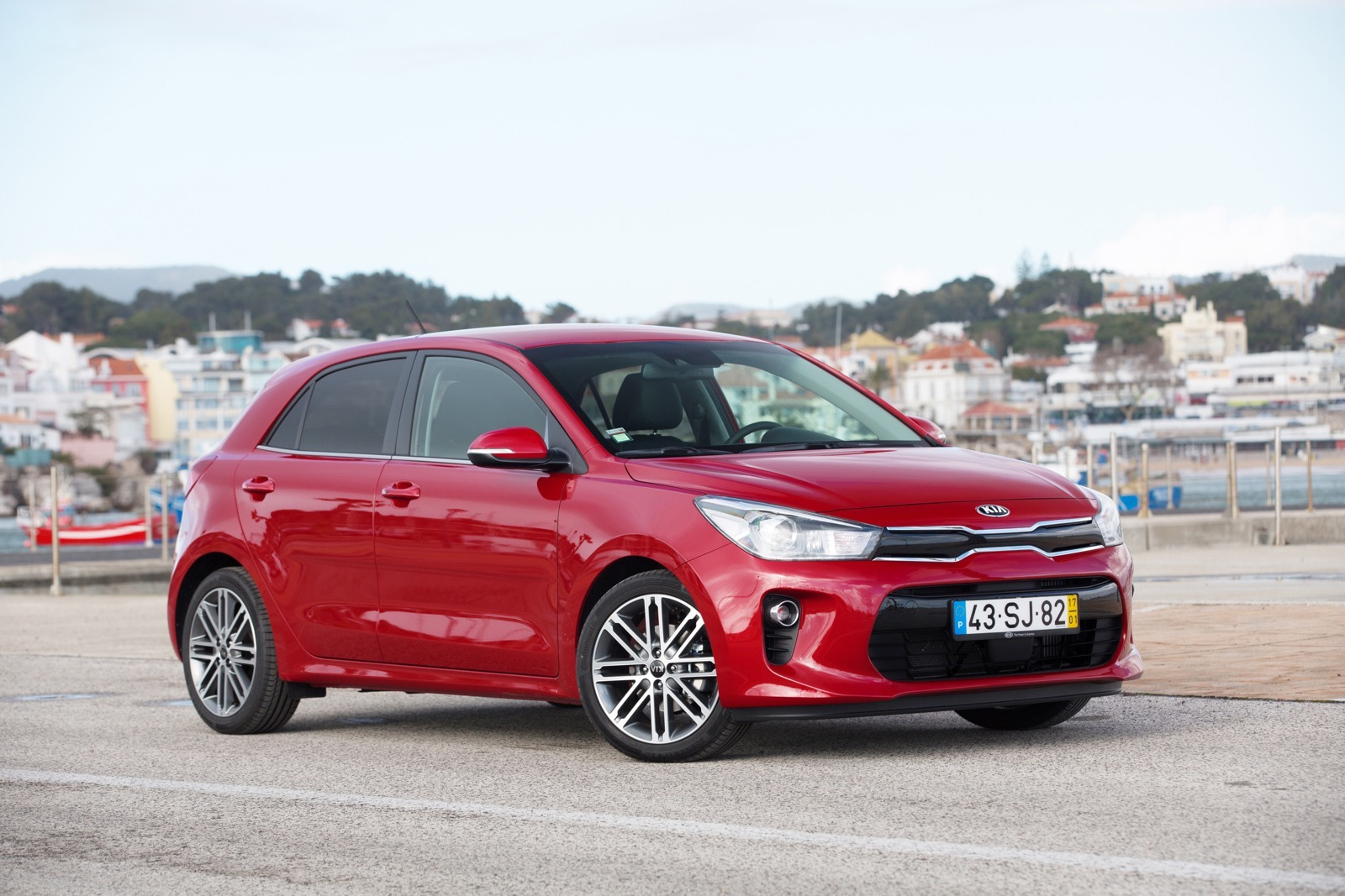 First_Drive_Kia_Rio_red_01