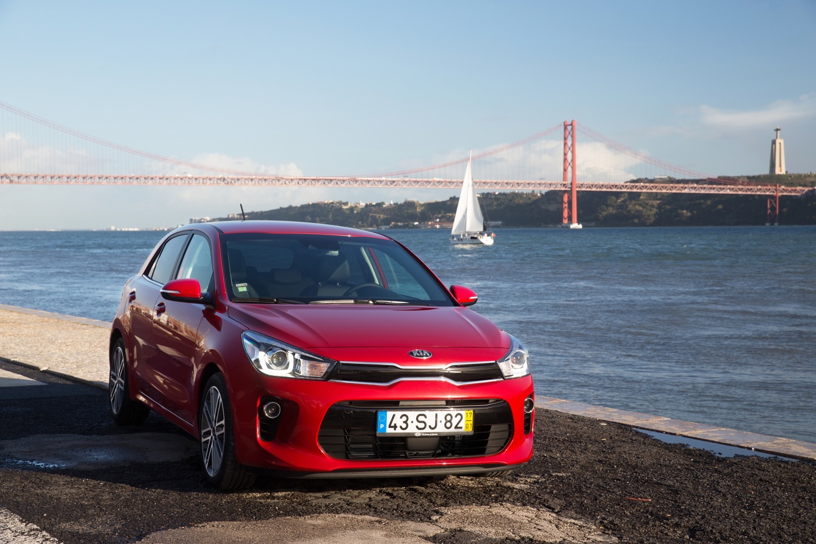First_Drive_Kia_Rio_red_09