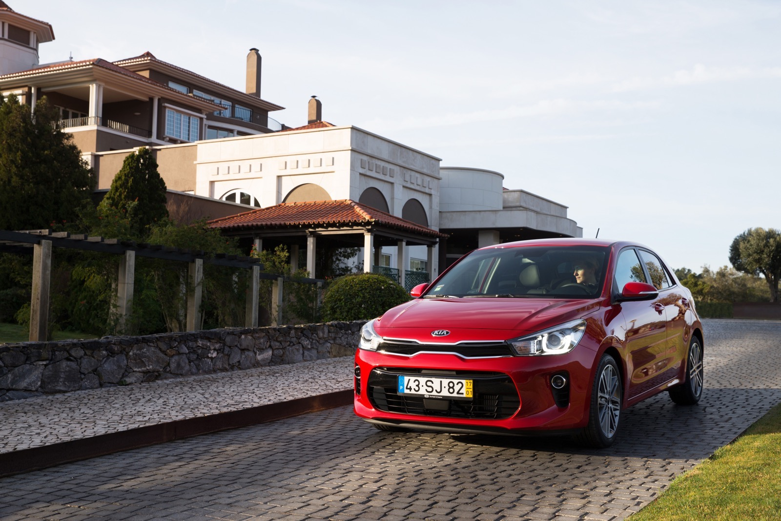 First_Drive_Kia_Rio_red_11