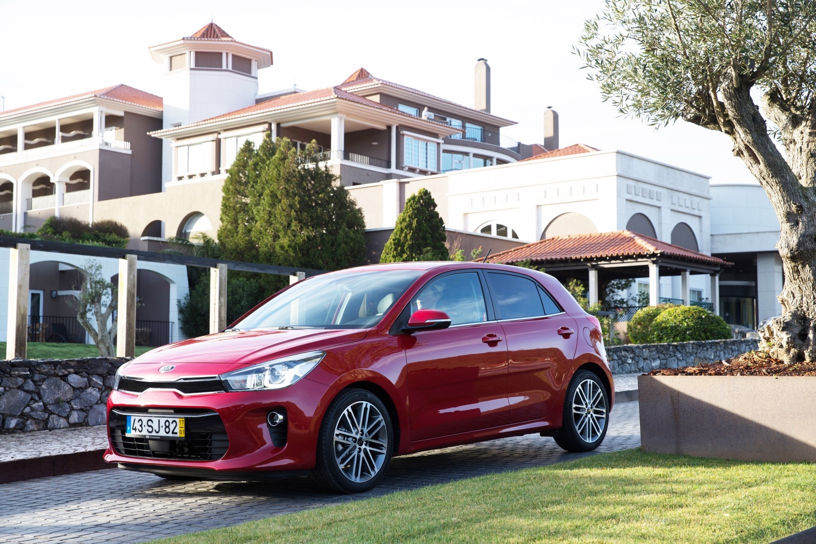 First_Drive_Kia_Rio_red_12