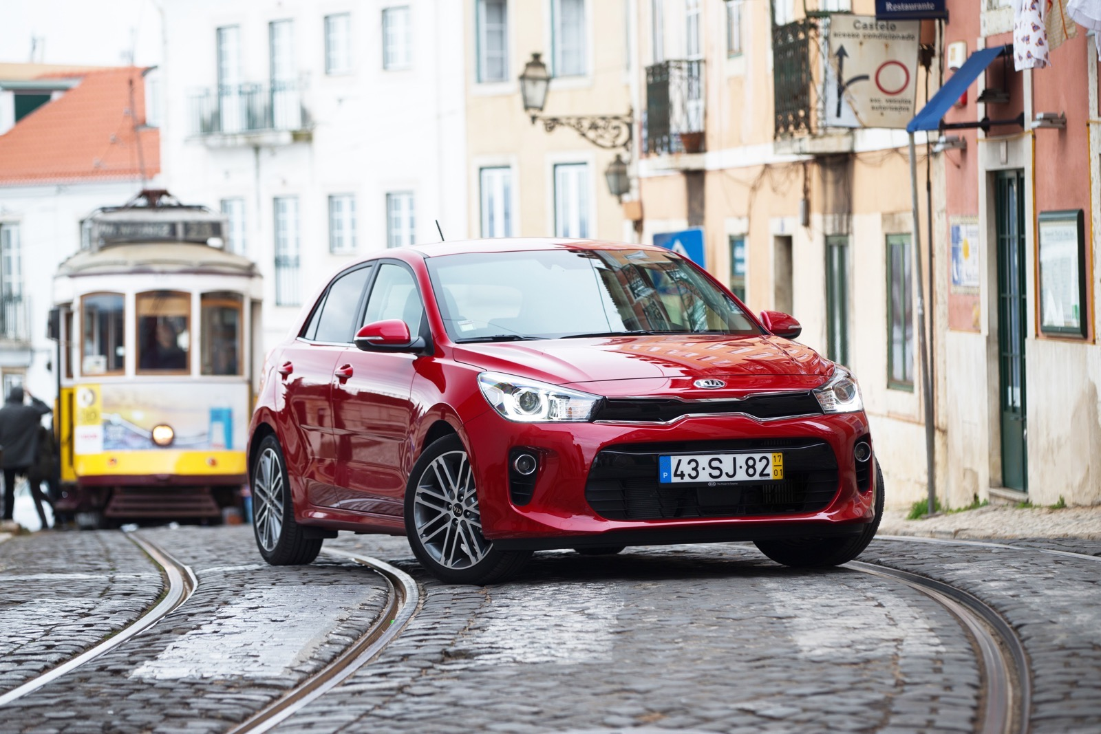 First_Drive_Kia_Rio_red_15