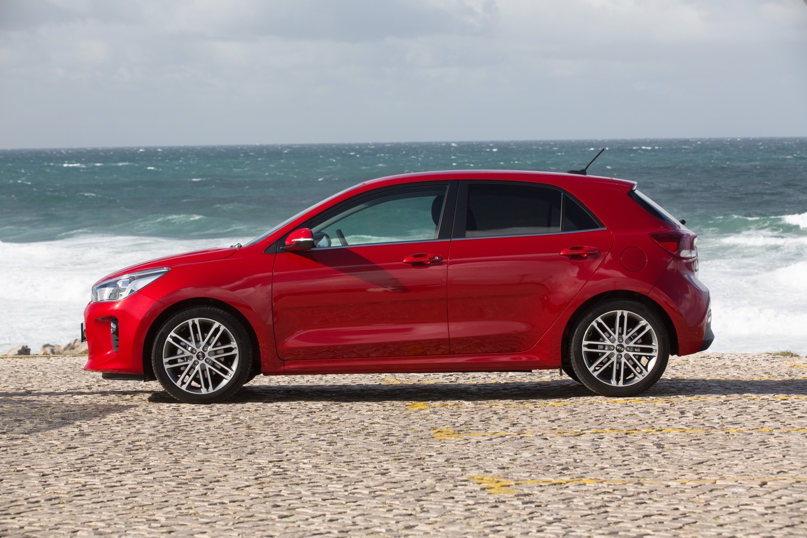 First_Drive_Kia_Rio_red_18