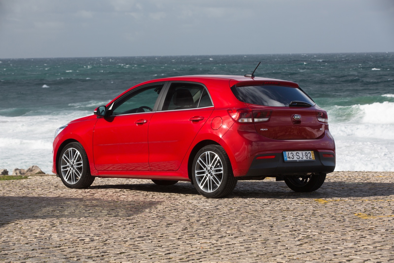 First_Drive_Kia_Rio_red_19