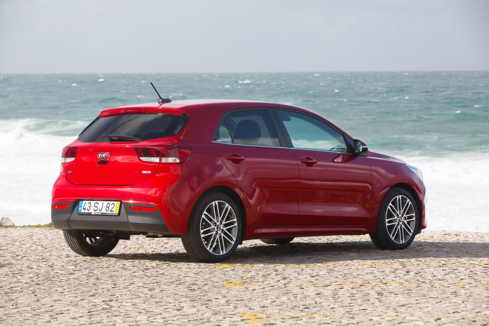 First_Drive_Kia_Rio_red_21
