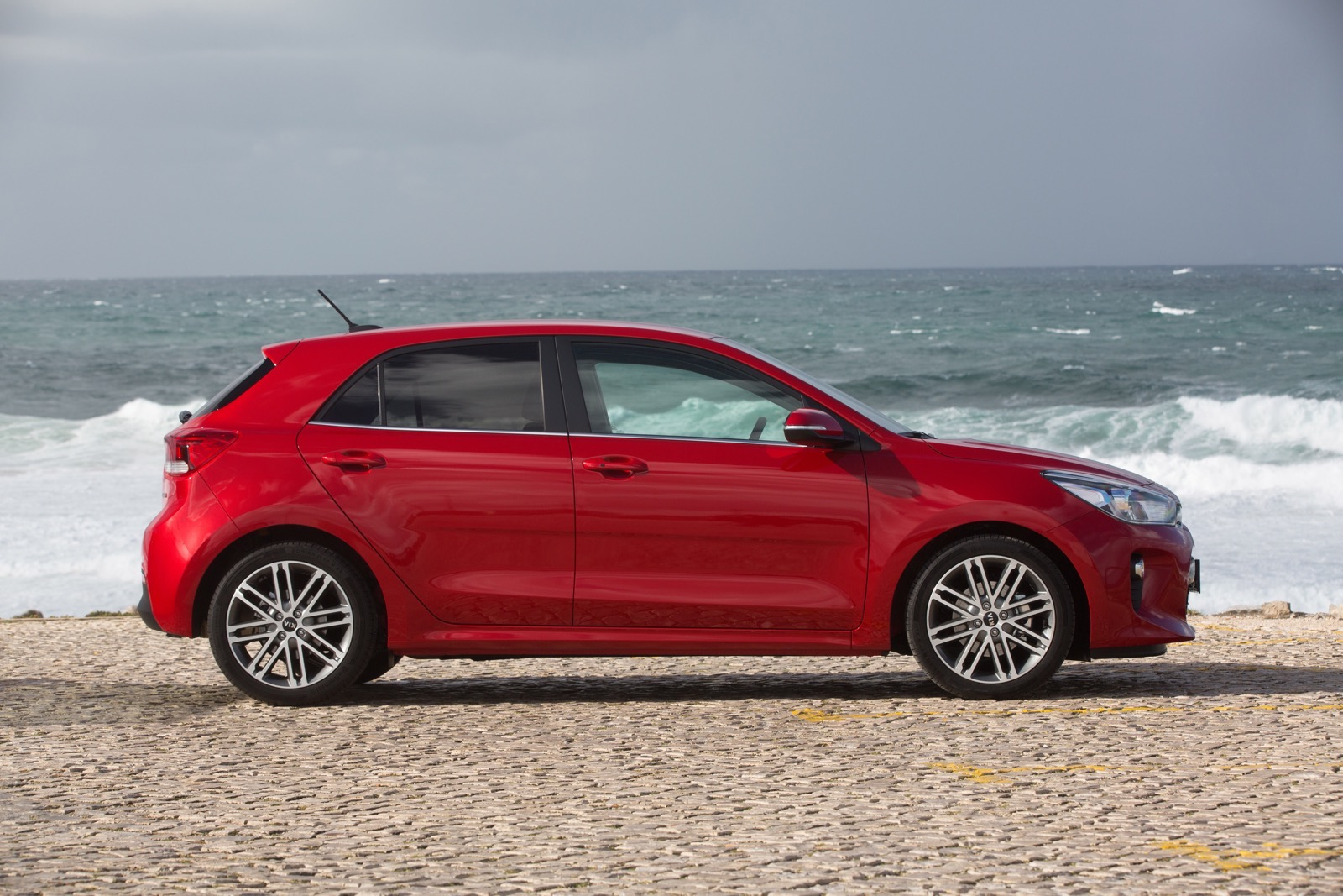 First_Drive_Kia_Rio_red_22