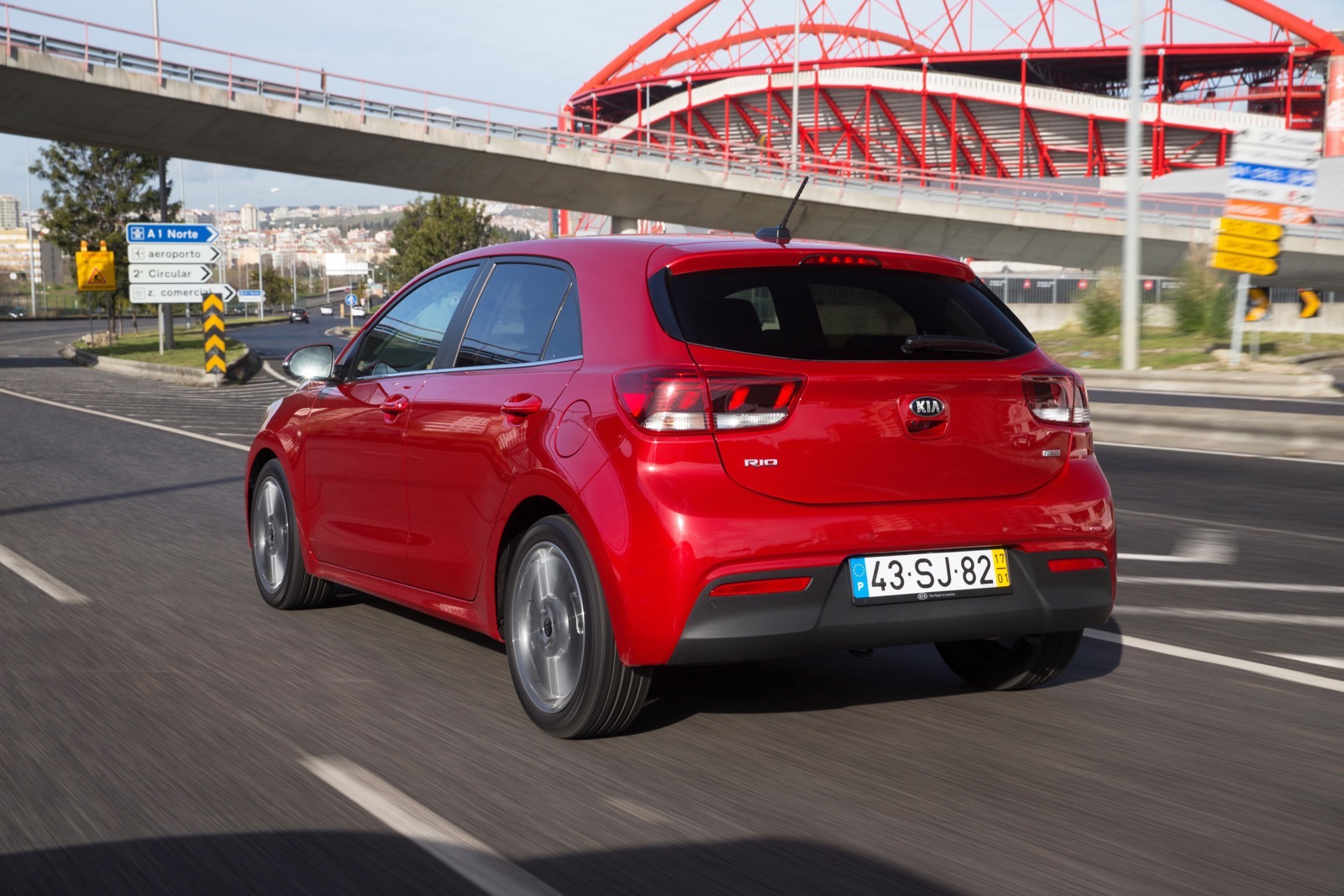 First_Drive_Kia_Rio_red_29