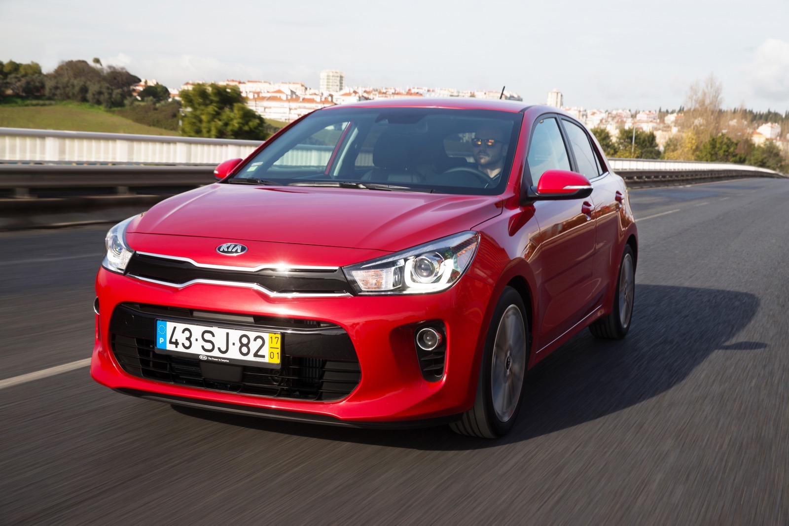First_Drive_Kia_Rio_red_31