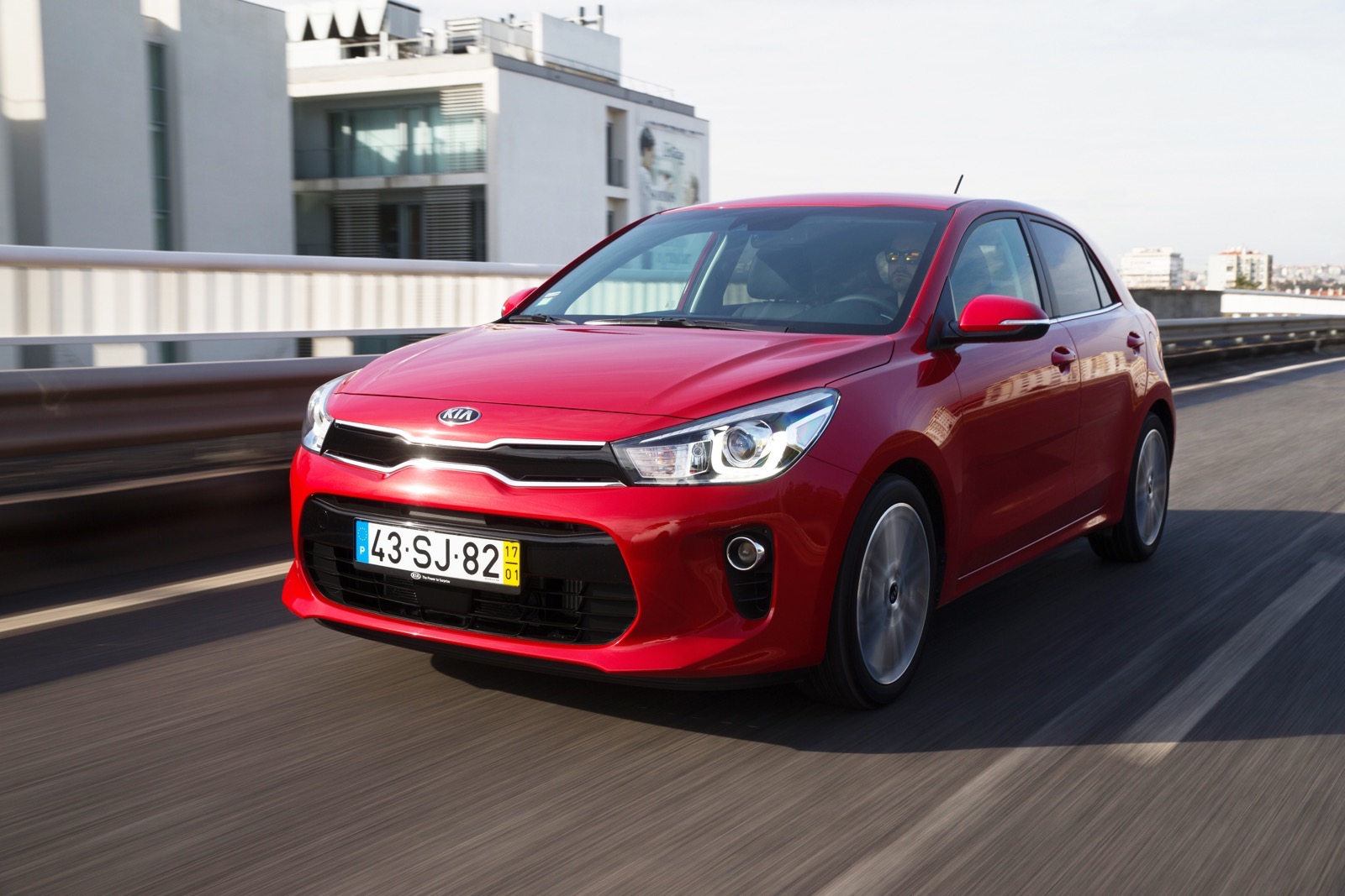 First_Drive_Kia_Rio_red_32