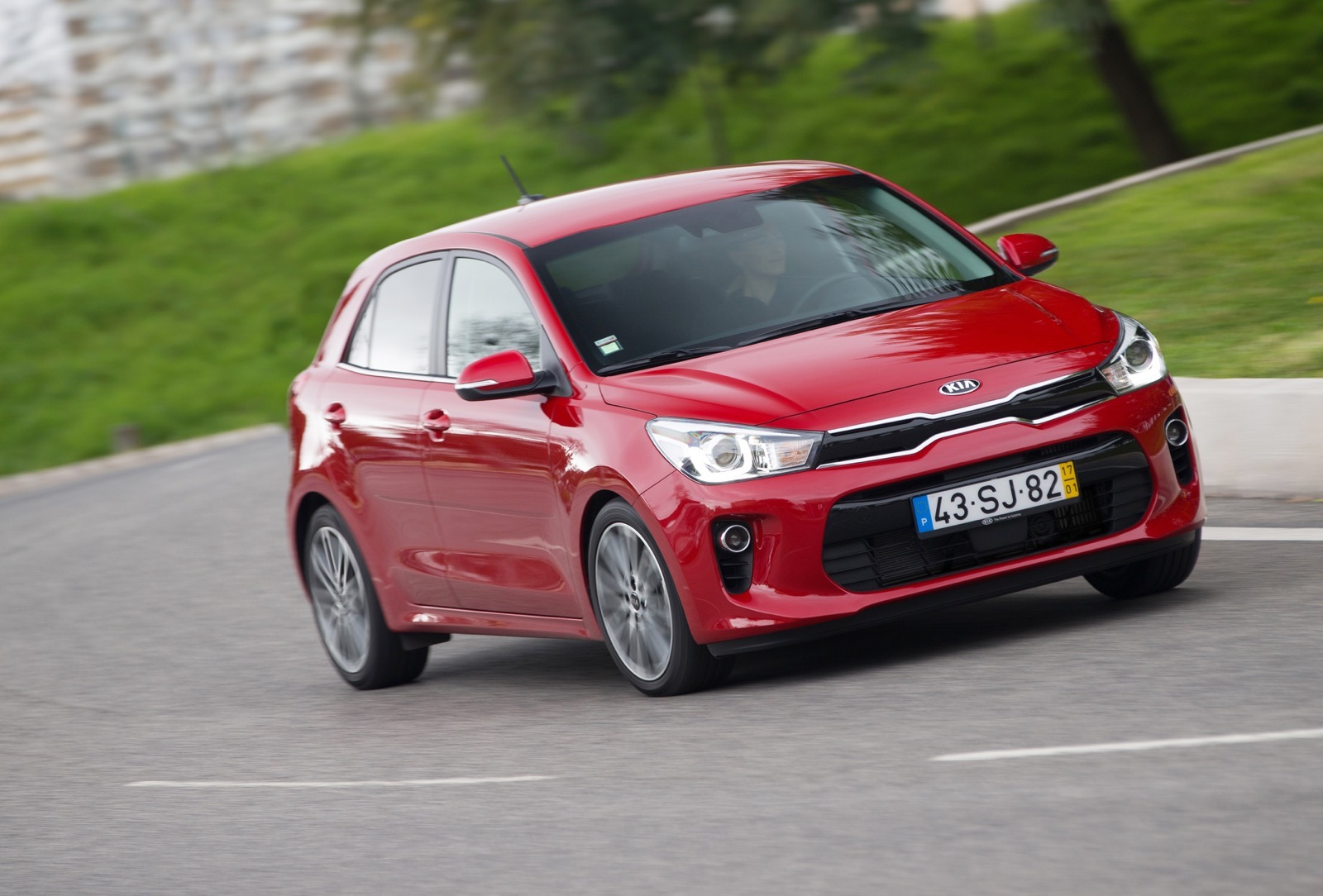 First_Drive_Kia_Rio_red_35