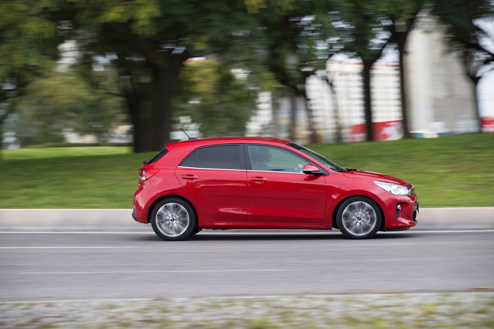 First_Drive_Kia_Rio_red_36