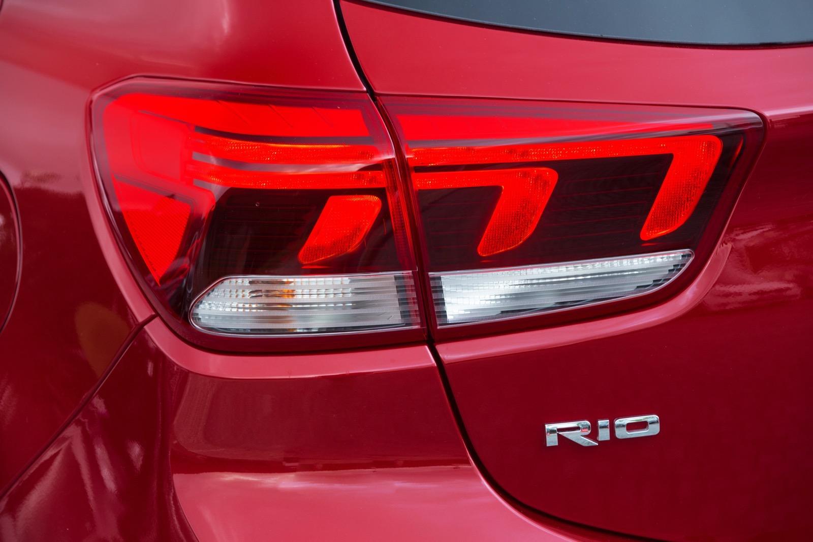 First_Drive_Kia_Rio_red_68