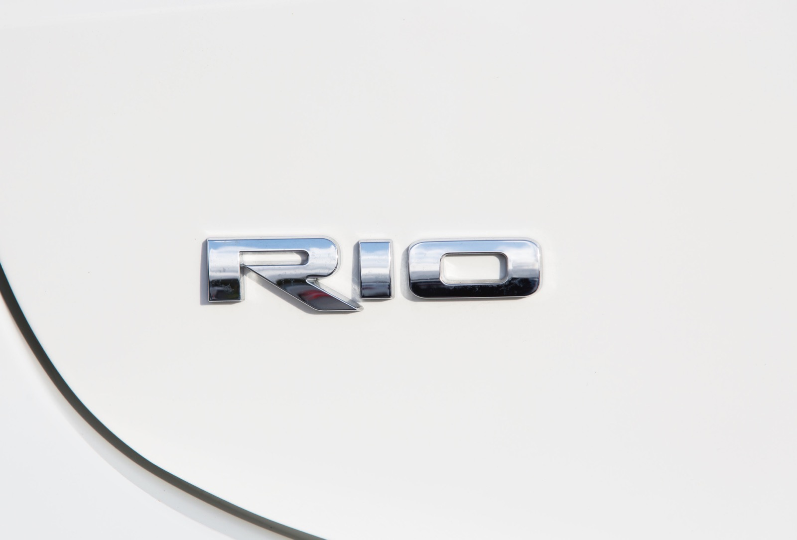 First_Drive_Kia_Rio_white_74
