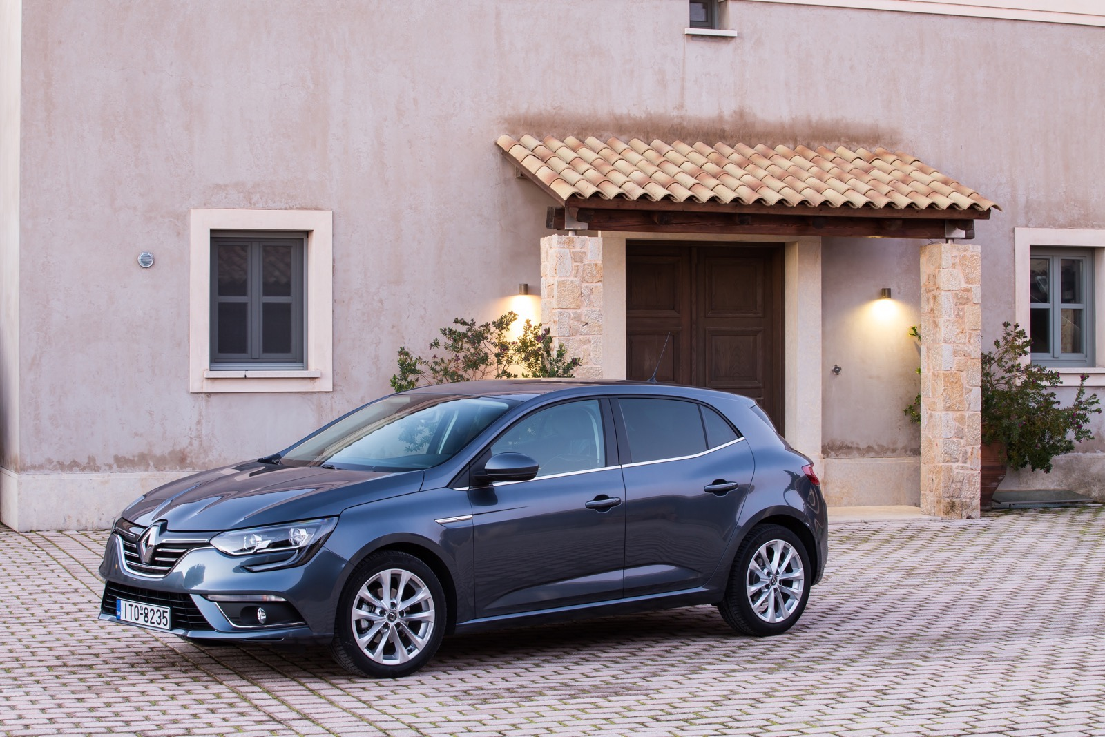First_Drive_Renault_Megane_01