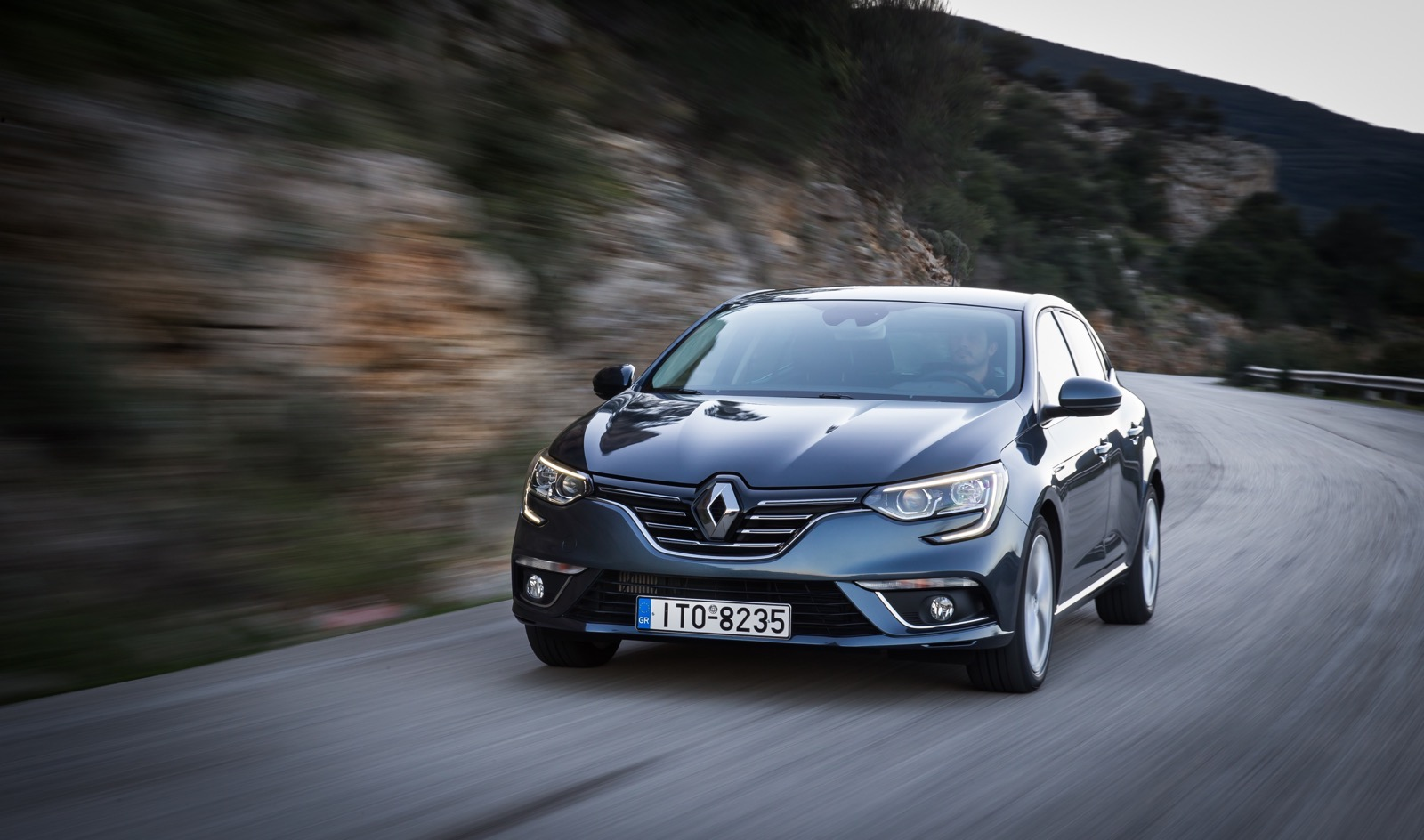 First_Drive_Renault_Megane_105