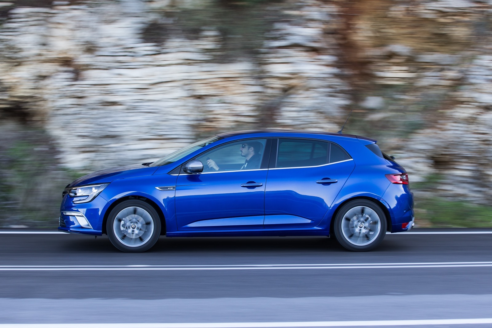 First_Drive_Renault_Megane_110