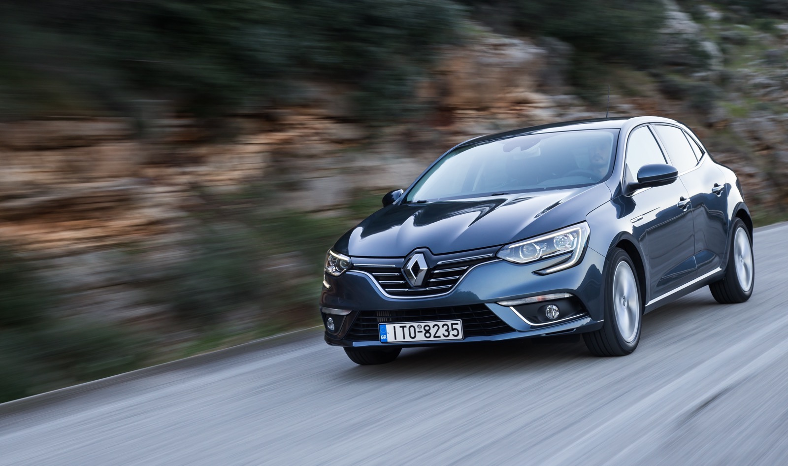 First_Drive_Renault_Megane_111