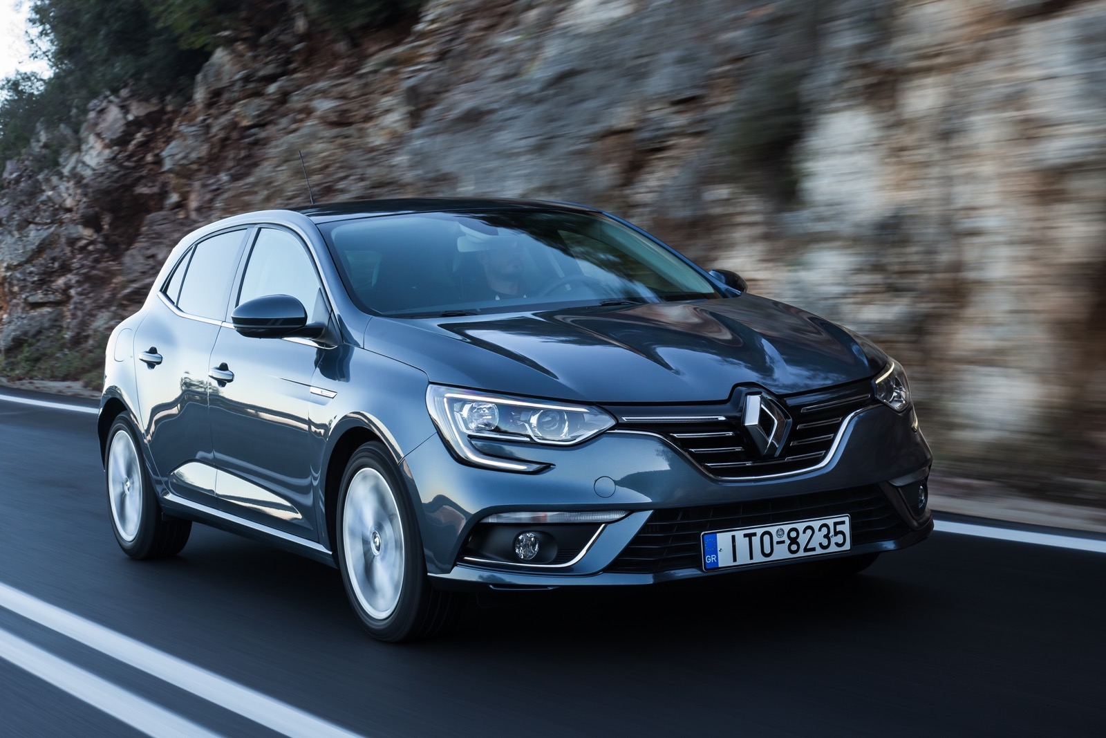 First_Drive_Renault_Megane_114