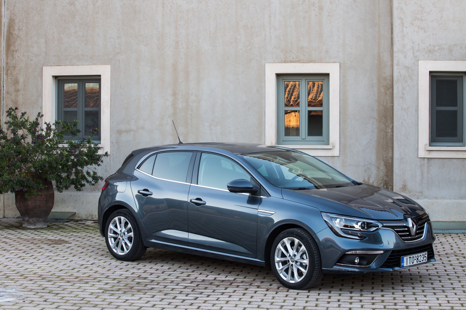 First_Drive_Renault_Megane_12