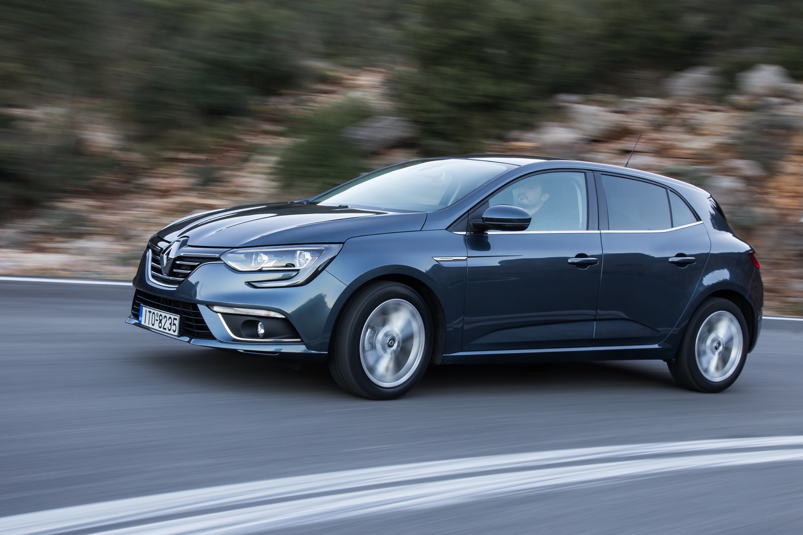 First_Drive_Renault_Megane_130