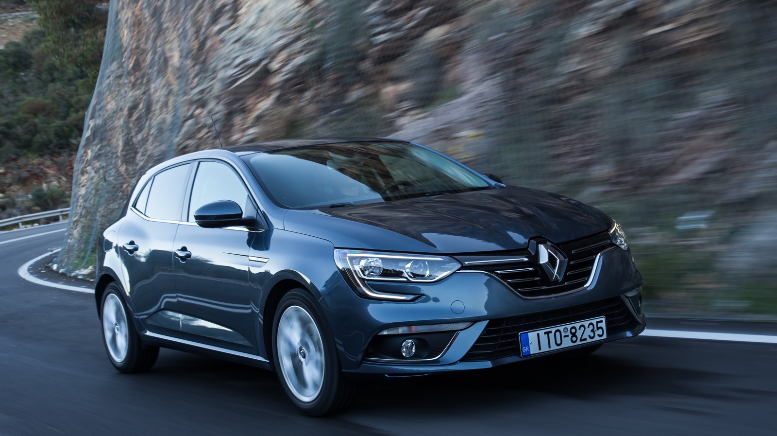 First_Drive_Renault_Megane_132