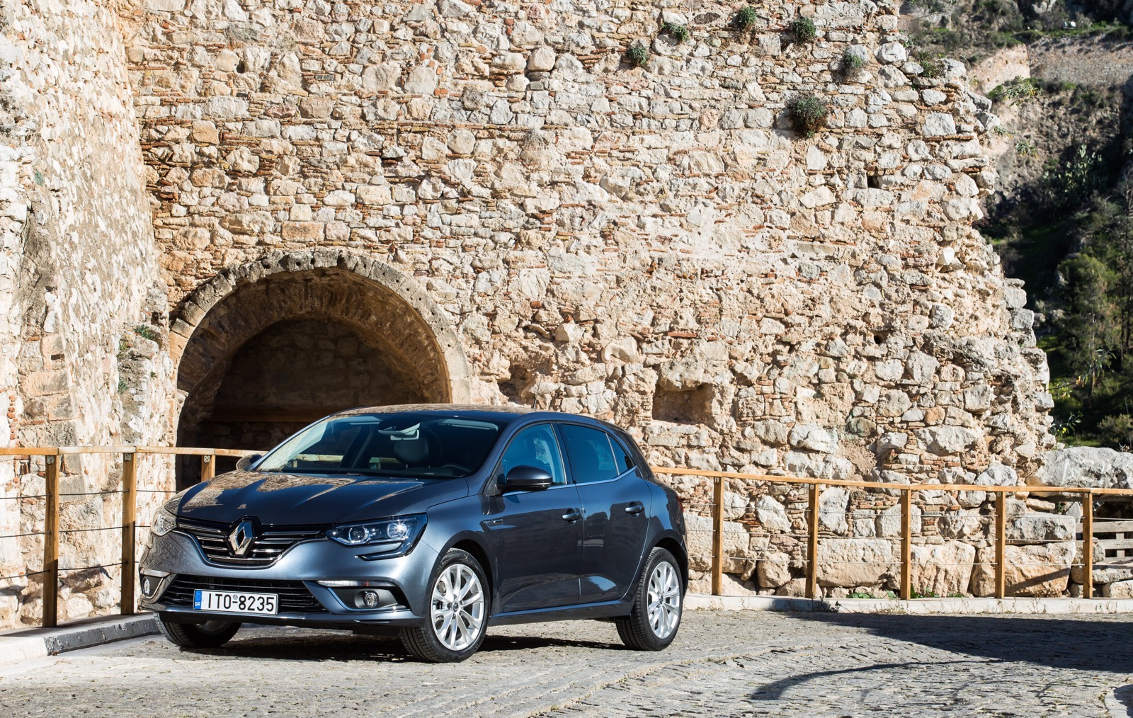 First_Drive_Renault_Megane_24
