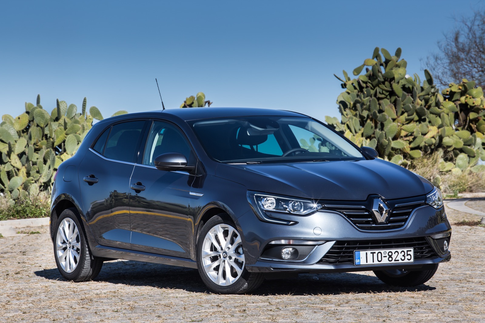 First_Drive_Renault_Megane_27