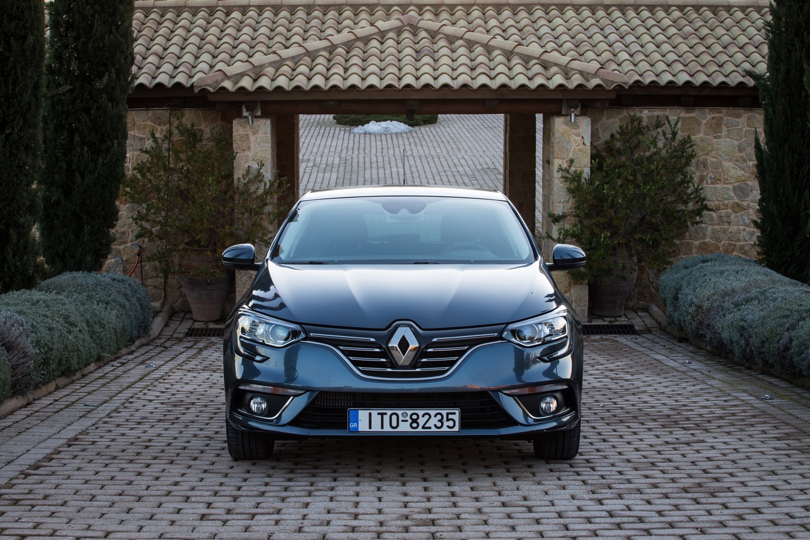 First_Drive_Renault_Megane_35