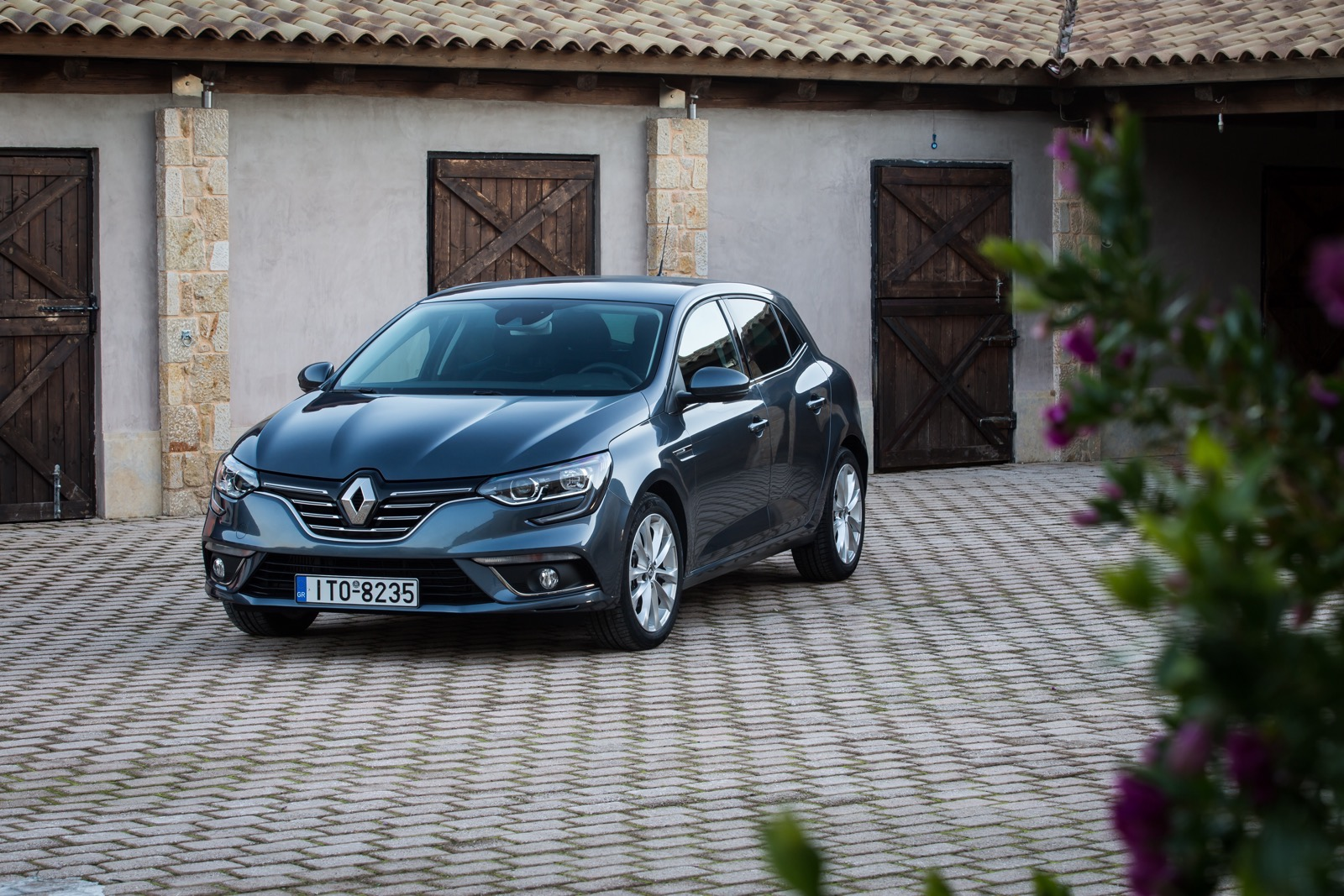First_Drive_Renault_Megane_38