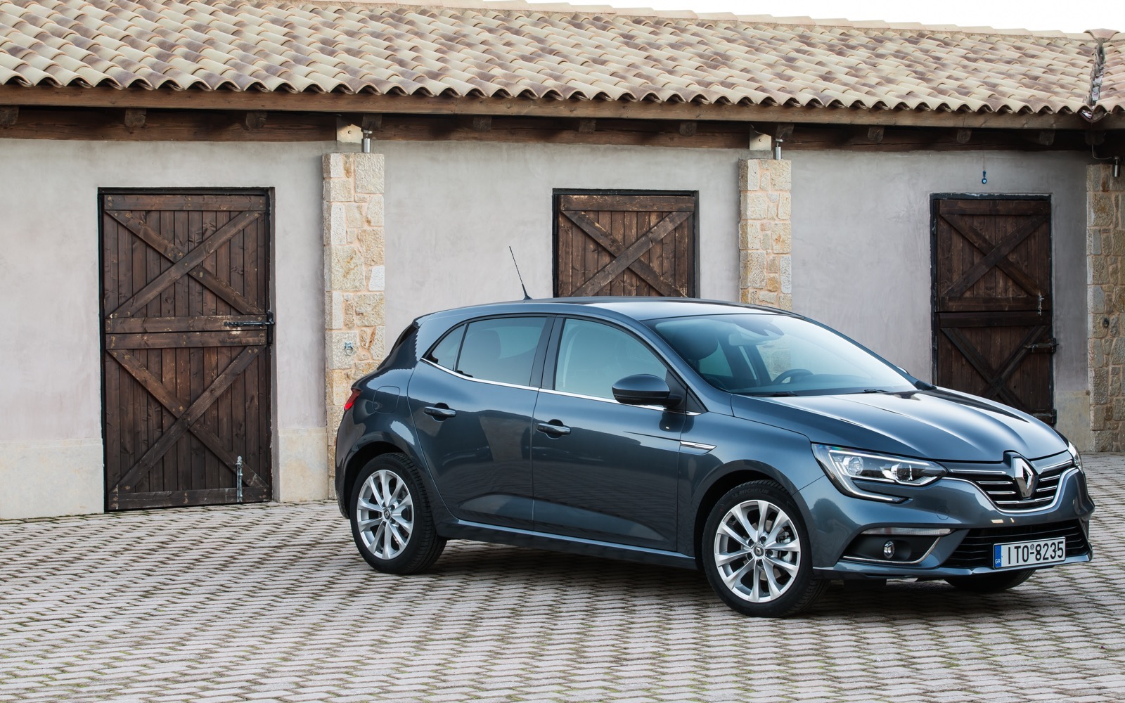 First_Drive_Renault_Megane_40
