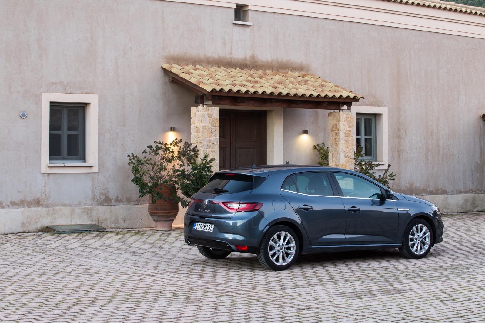 First_Drive_Renault_Megane_49