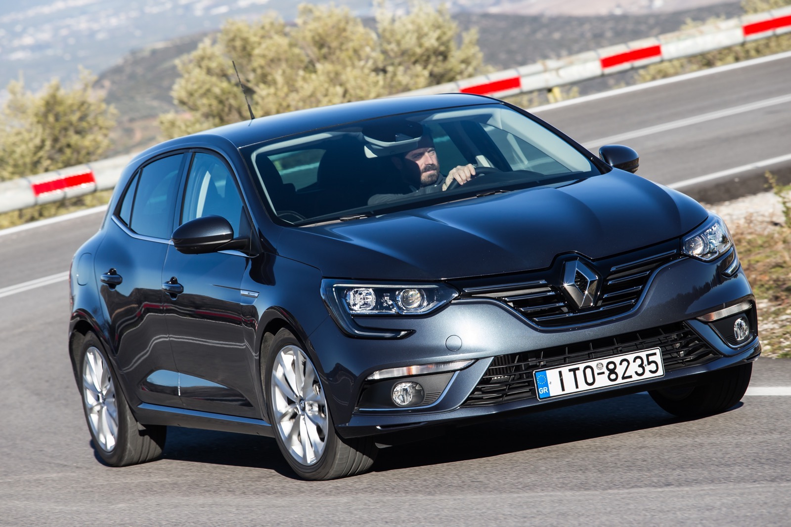 First_Drive_Renault_Megane_57