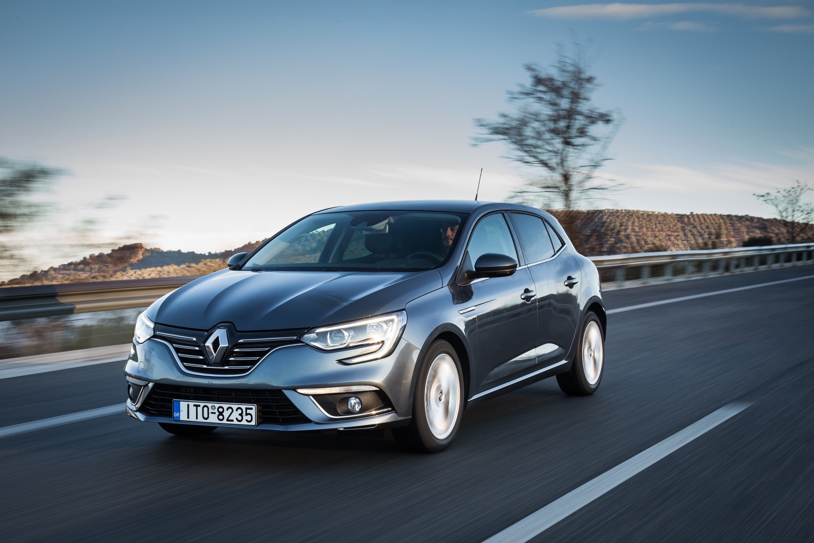 First_Drive_Renault_Megane_59