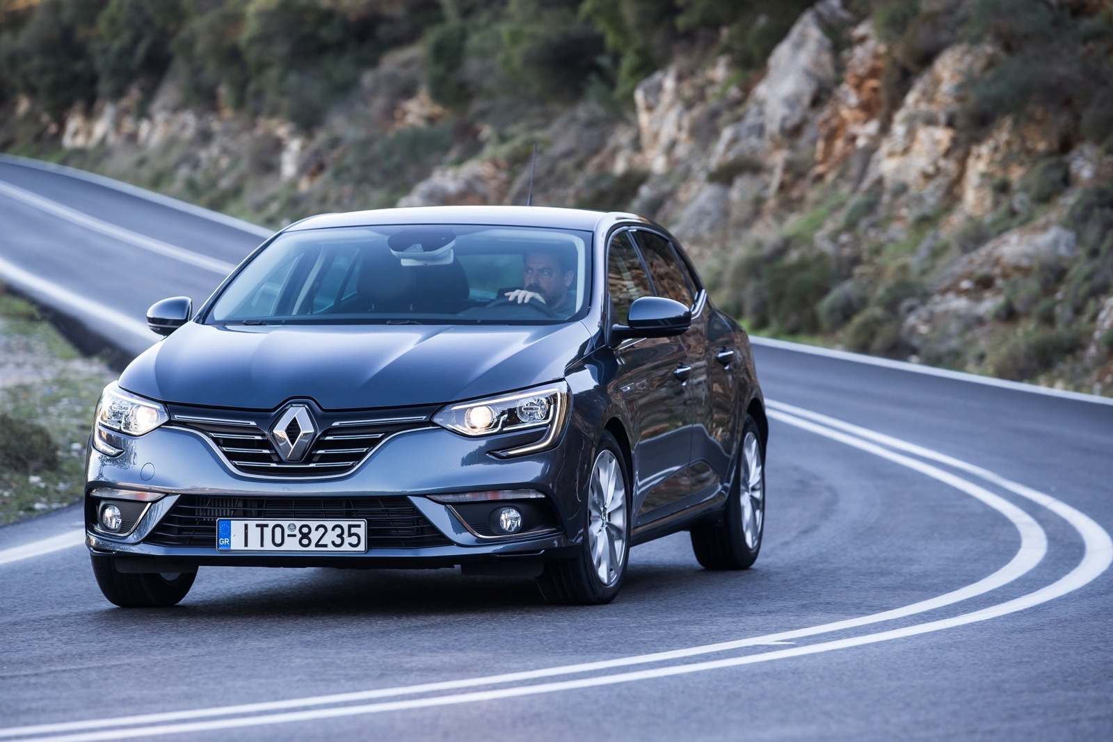 First_Drive_Renault_Megane_60