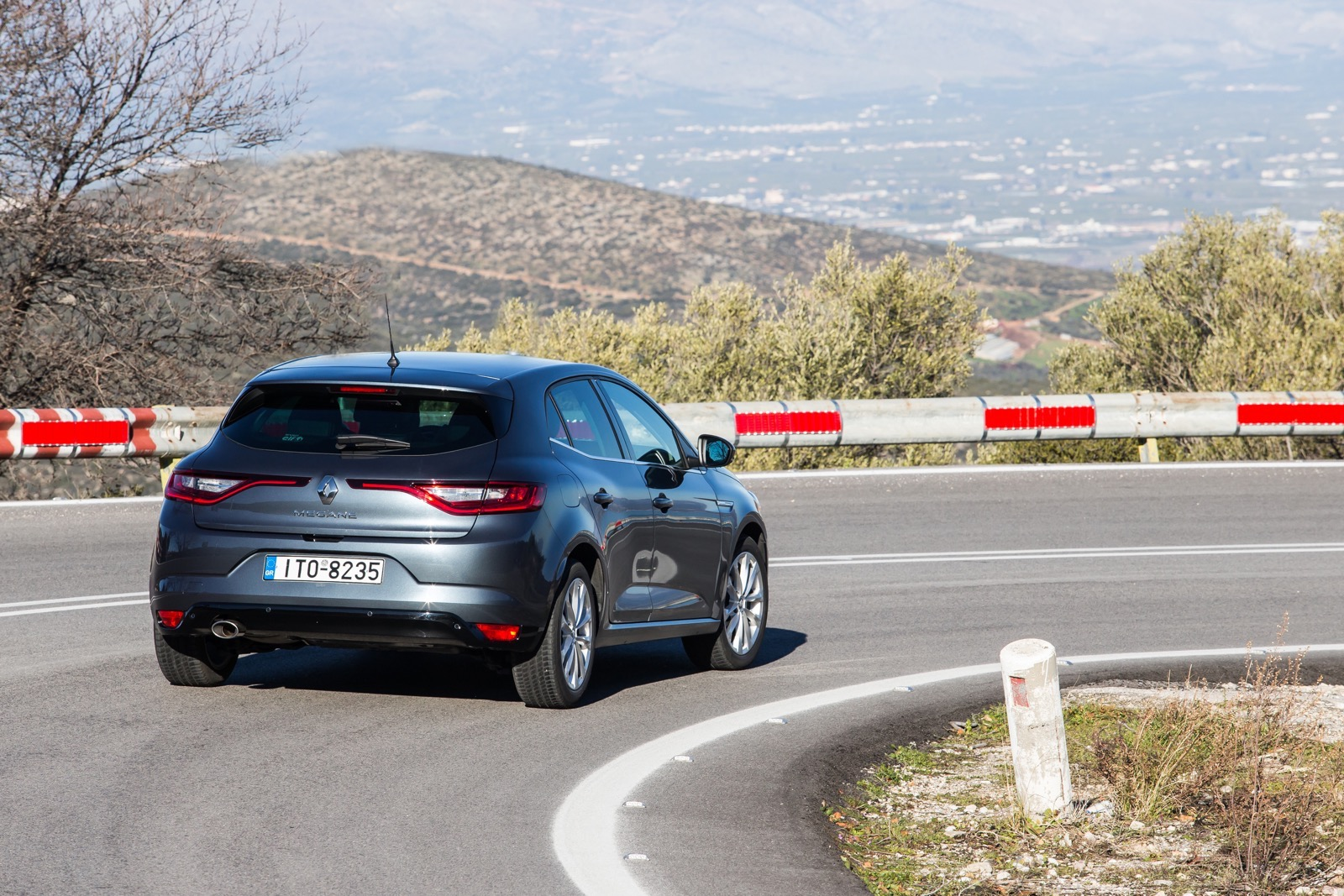 First_Drive_Renault_Megane_61