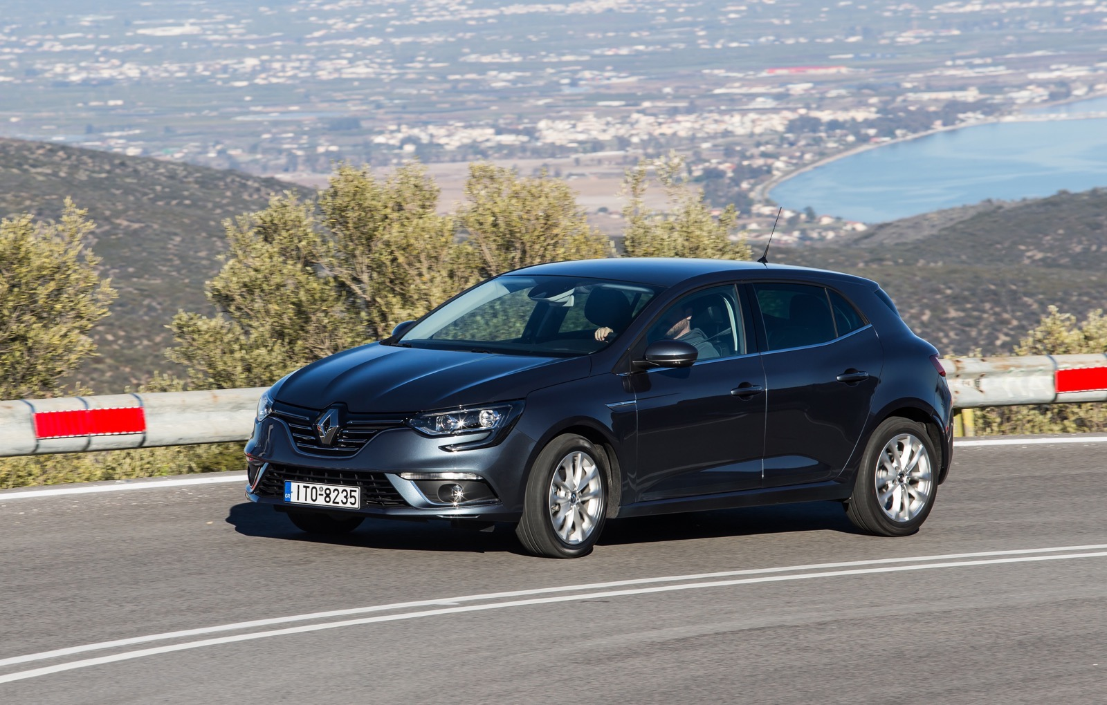 First_Drive_Renault_Megane_62