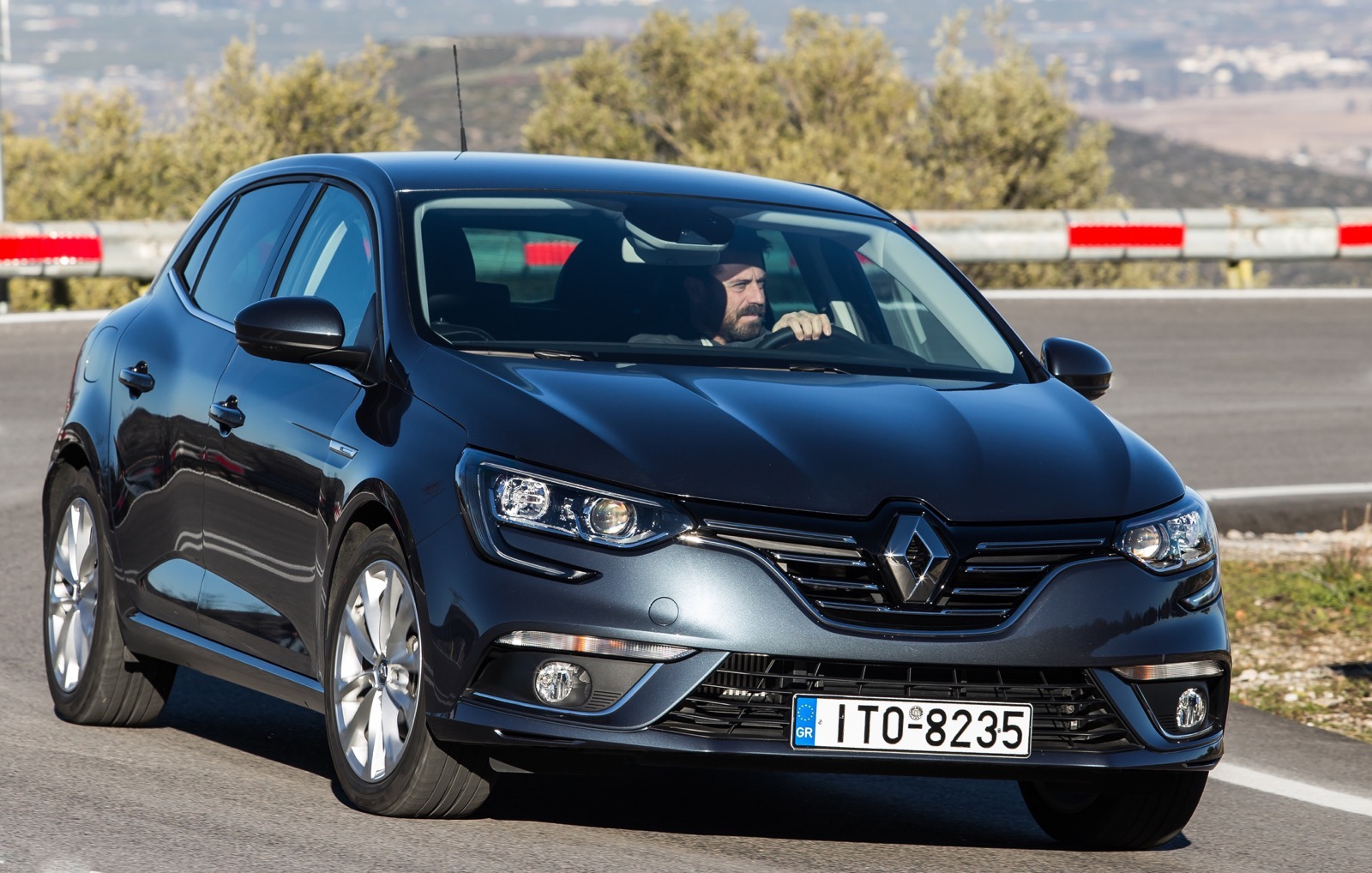 First_Drive_Renault_Megane_64