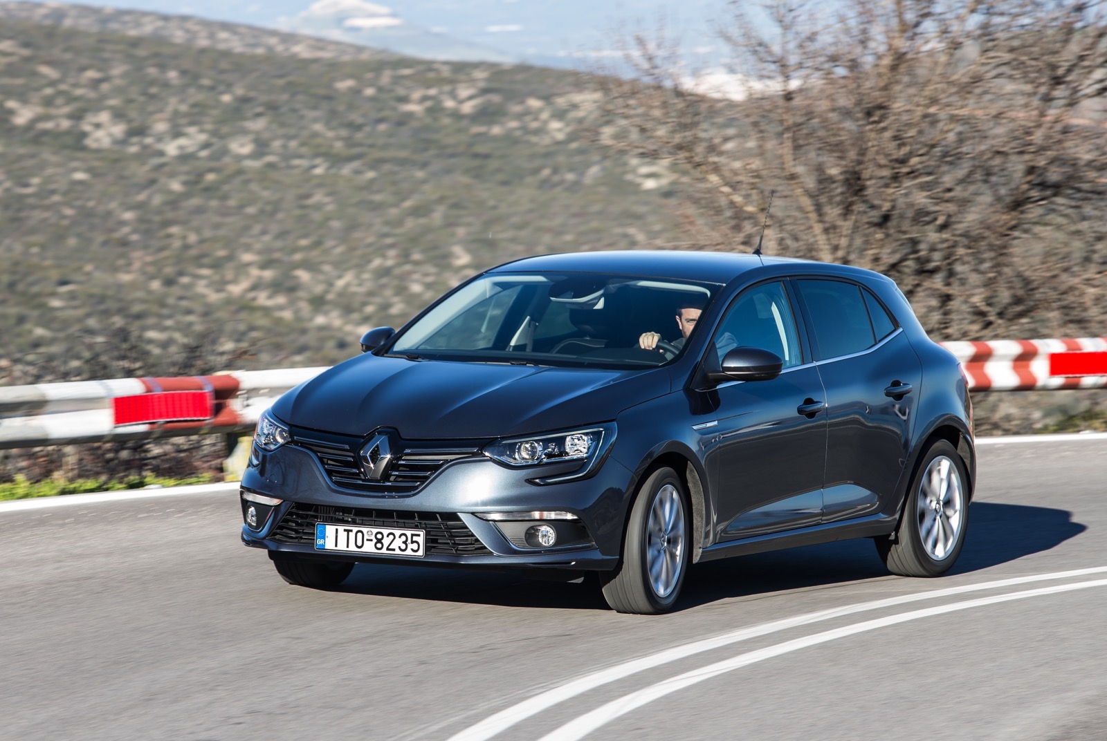 First_Drive_Renault_Megane_66