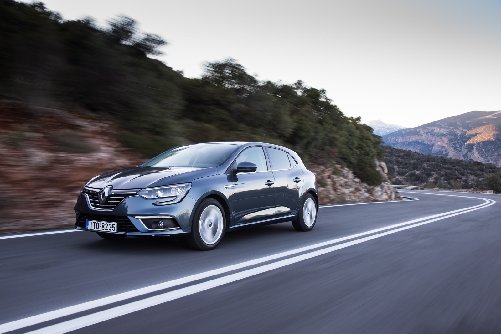 First_Drive_Renault_Megane_70