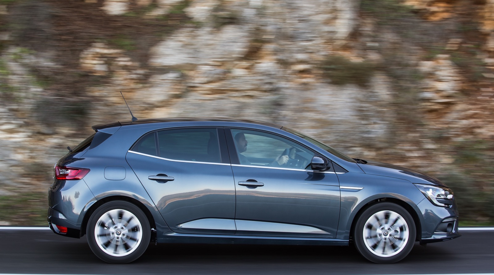 First_Drive_Renault_Megane_71